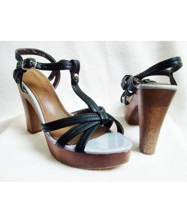 Dámské lodičky, sandály